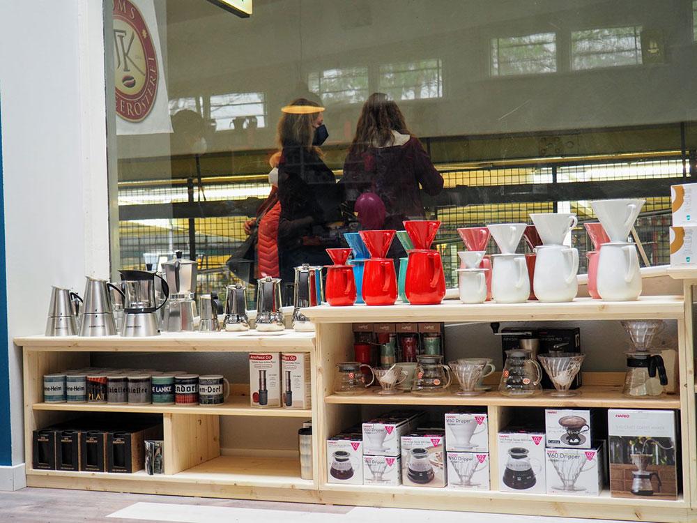 Toms Kaffeerösterei in Berlin-Zehlendorf // Bialetti, Friesland & Hario
