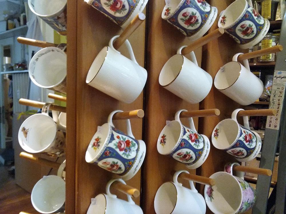 Impressionen aus dem Kleinen Teehaus in Onkel Toms Ladenstraße in Berlin-Zehlendorf
