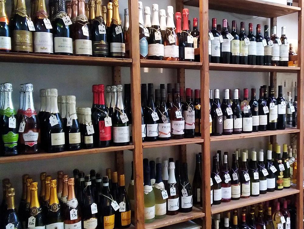 Kleine Weinrebe - Weinladen in Onkel Toms Ladenstraße in Berlin-Zehlendorf