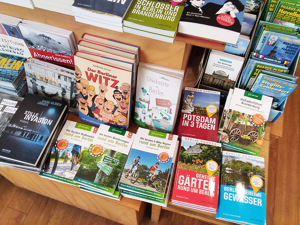 Impressionen aus der Buchhandlung Born in Onkel Toms Ladenstraße