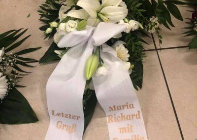 Blumengesteck zur Beerdigung // Toms Blumenhütte am U-Bhf. Onkel Toms Hütte in Berlin-Zehlendorf