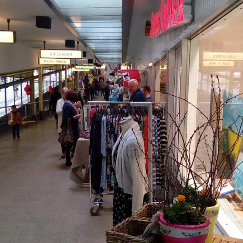 Jeans Corner - Frühjahrs-Mode in neuen Räumen
