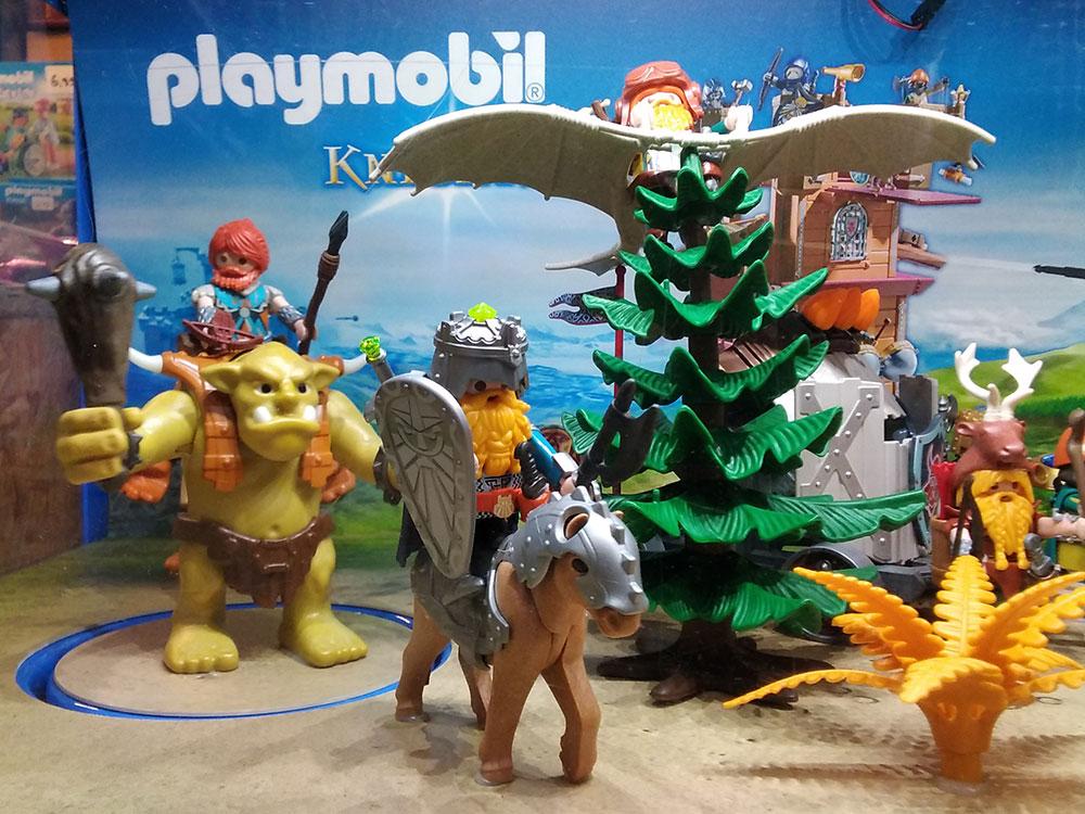 Spielzeug von Playmobil im Foto-Schreib-Spielwaren-Shop in Onkel Toms Ladenstraße